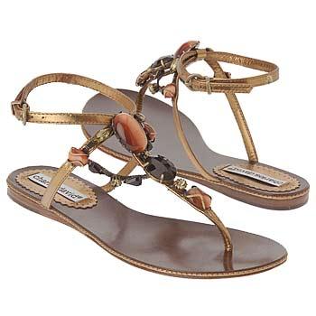 اضغط على الصورة لعرض أكبر  الاســـم:Shoes_iAEC1078689.jpg المشاهدات:668 الحجـــم:16.7 كيلوبايت الرقم:26317