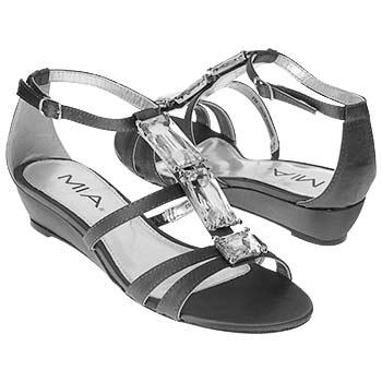 اضغط على الصورة لعرض أكبر  الاســـم:shoes_iaec1085897.jpg المشاهدات:952 الحجـــم:16.9 كيلوبايت الرقم:26320