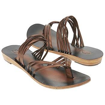 اضغط على الصورة لعرض أكبر  الاســـم:Shoes_iAEC1092730.jpg المشاهدات:276 الحجـــم:17.0 كيلوبايت الرقم:26321