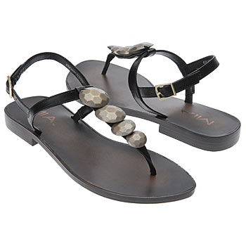اضغط على الصورة لعرض أكبر  الاســـم:shoes_iaec1146615.jpg المشاهدات:298 الحجـــم:16.9 كيلوبايت الرقم:26325