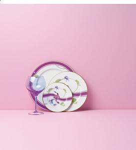 اضغط على الصورة لعرض أكبر  الاســـم:Assiette-Plate-Haviland-Olivia.jpg المشاهدات:238 الحجـــم:15.8 كيلوبايت الرقم:34687