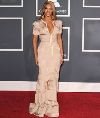 اضغط على الصورة لعرض أكبر  الاســـم:Red-Carpet-Buzz-Beyonce_articleimage.jpg المشاهدات:236 الحجـــم:29.9 كيلوبايت الرقم:53805