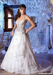 اضغط على الصورة لعرض أكبر  الاســـم:wedding_2009_fashion_18[1].jpg المشاهدات:299 الحجـــم:79.0 كيلوبايت الرقم:54302