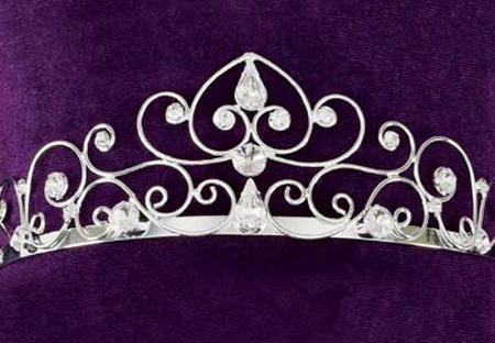اضغط على الصورة لعرض أكبر  الاســـم:wedding-tiara-majestic-larg.jpg المشاهدات:997 الحجـــم:61.6 كيلوبايت الرقم:60935