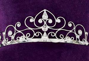 اضغط على الصورة لعرض أكبر  الاســـم:wedding-tiara-majestic-larg.jpg المشاهدات:1038 الحجـــم:61.6 كيلوبايت الرقم:60935