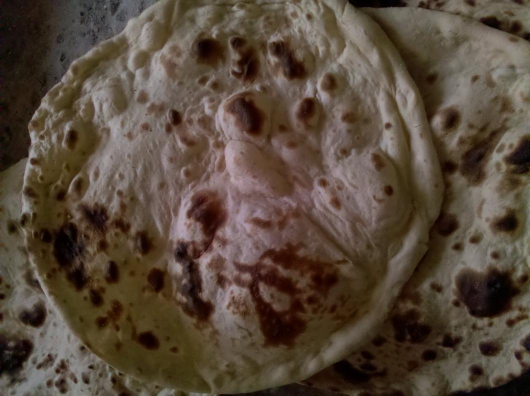 خبز المخبزة اوالرقاق اليمني