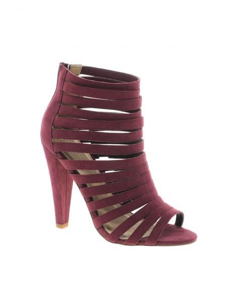 فاخرة من الشنط و الأحذية......مجموعة من الأحذية الراقيةنصائح للعناية و